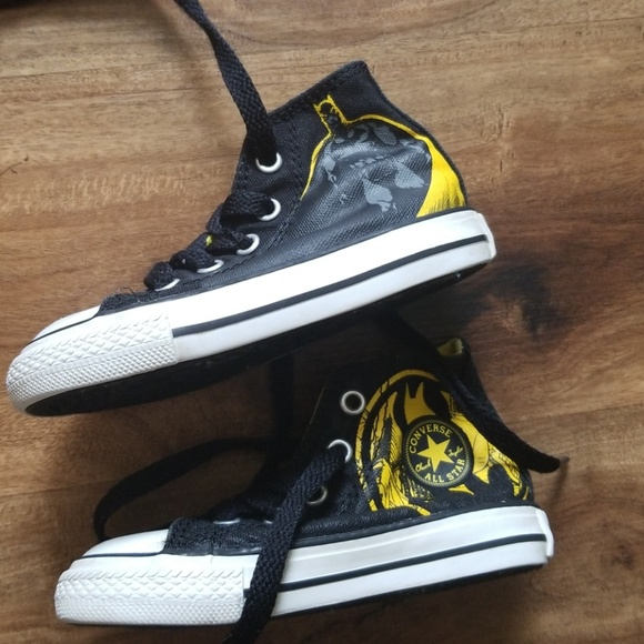 aa5db6b42152 Converse Other - Like new toddler batman converse high top shoes